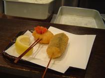 帆立貝のワイン蒸しトマトソース掛け、餅とたらこ